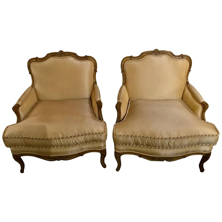 Pair of Louis XV-Style Painted and Carved Bergere Chairs, 20th Century For Sale