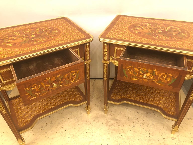 Belle Époque Pair of Louis XVI Style End or Lamp Tables with Bronze Mounts and Inlaid
