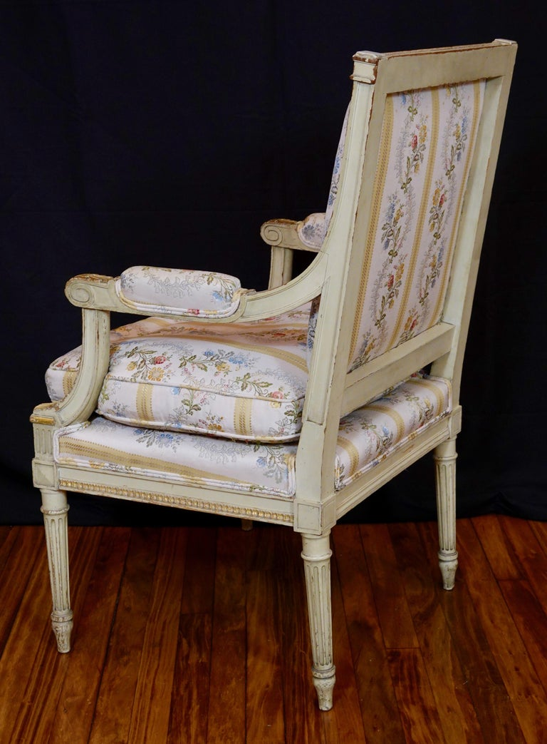 Pair of Louis XVI Style Fauteuils or Armchairs with Silk Lampas Fabric For Sale 4