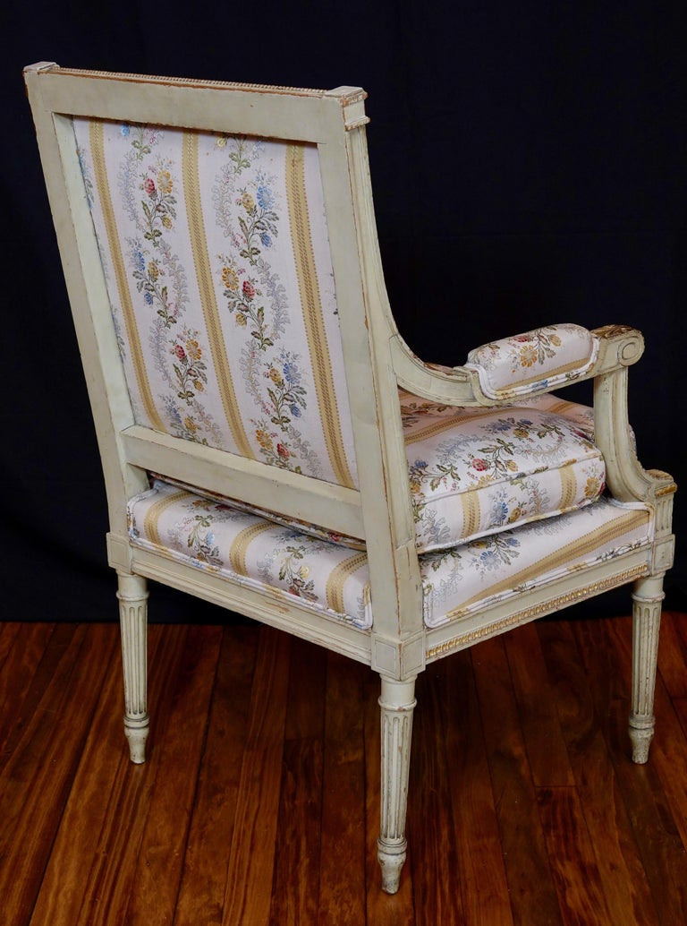 Pair of Louis XVI Style Fauteuils or Armchairs with Silk Lampas Fabric For Sale 2