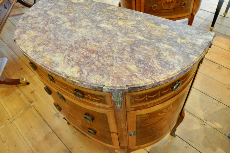 Pair of Louis XVI Style Marble-Top Marquetry Inlaid Commodes In Good Condition For Sale In Essex, MA
