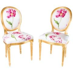 Paar Louis XVI Stil Medaillon Stühle mit Rotem Blumenmuster