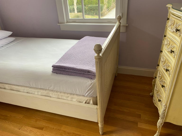Pair of Louis XVI Style Painted Twin Bed Frames For Sale 1