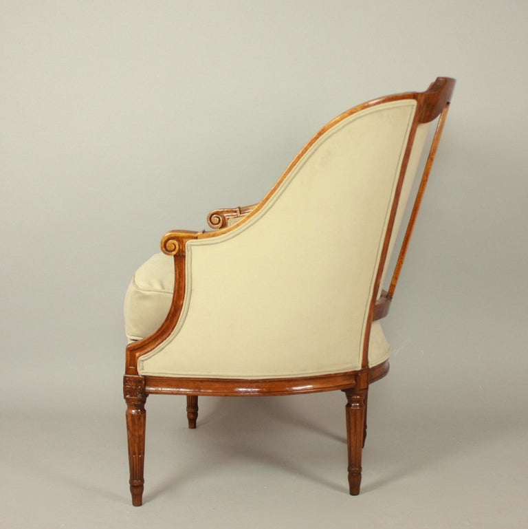 Pair of Louis XVI Walnut Bergeres or Armchairs, French, circa 1780 For Sale 5