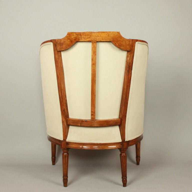 Pair of Louis XVI Walnut Bergeres or Armchairs, French, circa 1780 For Sale 6
