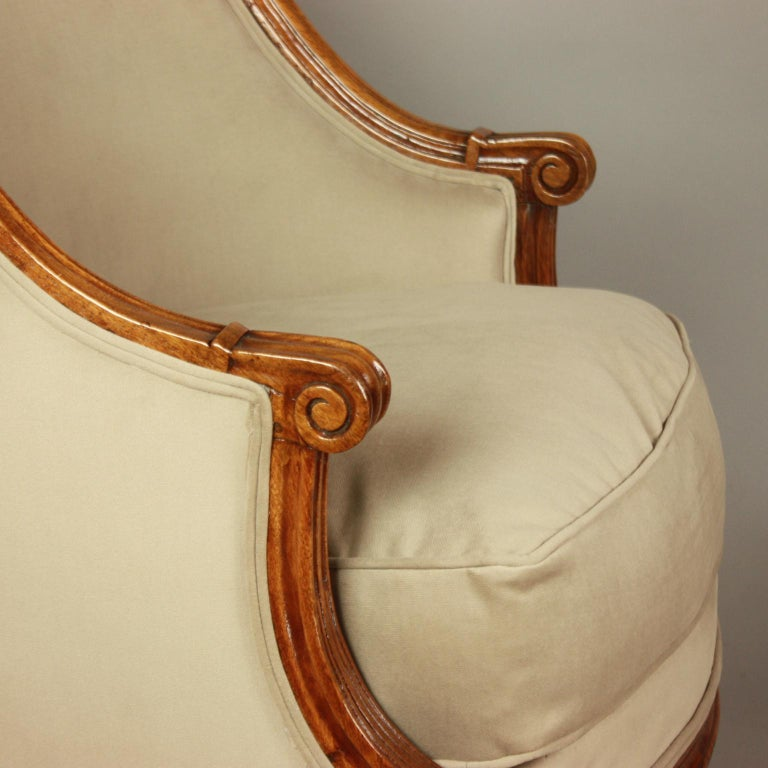 Pair of Louis XVI Walnut Bergeres or Armchairs, French, circa 1780 For Sale 2