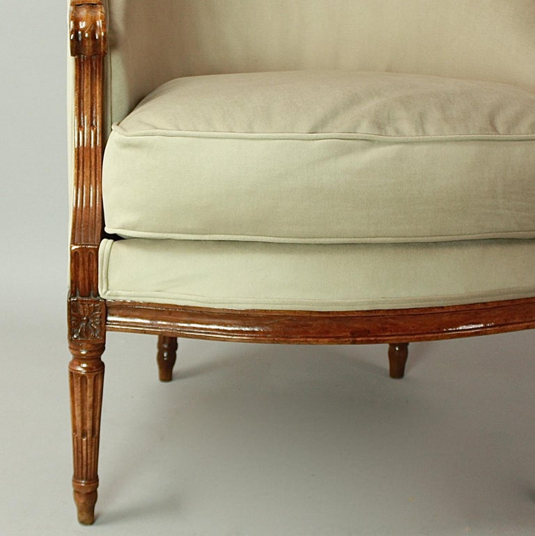 Pair of Louis XVI Walnut Bergeres or Armchairs, French, circa 1780 For Sale 4