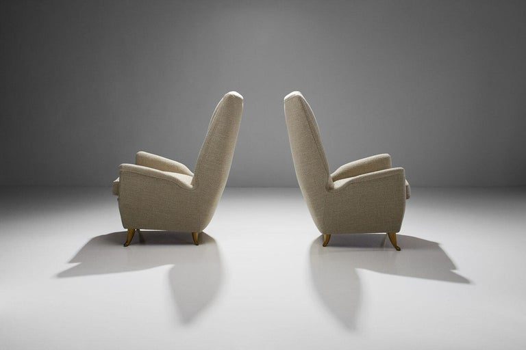 Italian Pair of Lounge Chairs Attributed to Gio Ponti for ISA Bergamo, Italy, 1950s For Sale