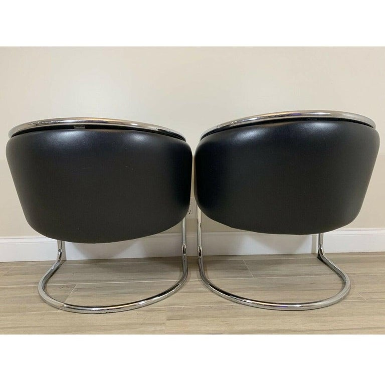 Mid-Century Modern Pair of Lounge Chairs by Anton Lorenz for Thonet For Sale