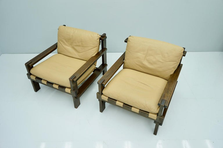 Scandinavian Modern Pair of Lounge Chairs by Carl Straub Denmark 60s in Oak and Light Brown Leather For Sale