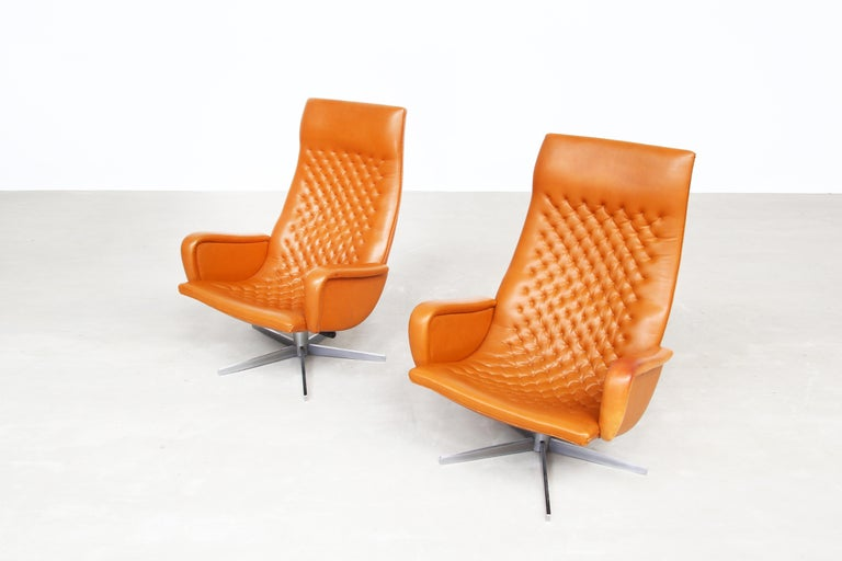 Pair of Lounge Chairs by De Sede Mod. Ds 51, Original 1970s in Cognac Leather For Sale 3