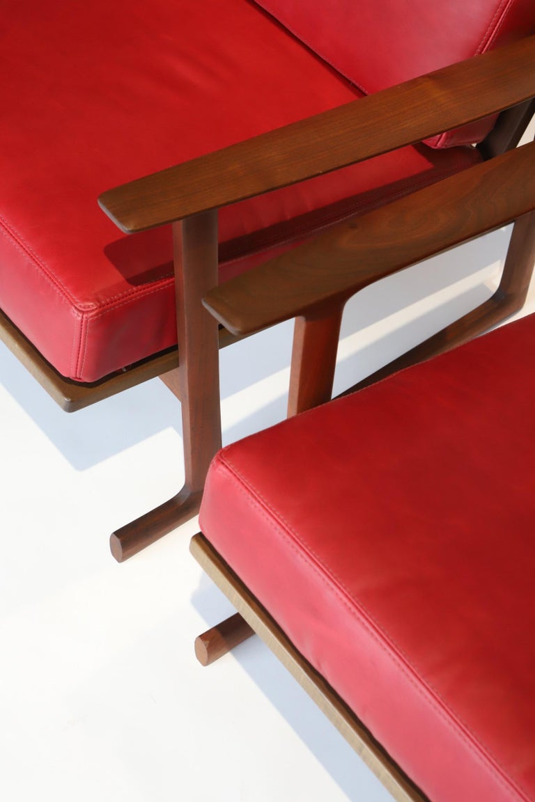 Pair of Lounge Chairs by Ib Kofod-Larsen For Sale 3