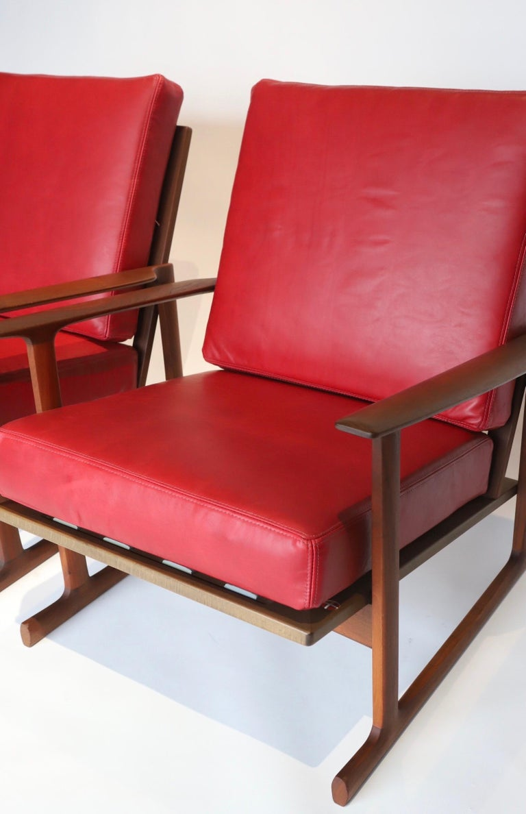 Pair of Lounge Chairs by Ib Kofod-Larsen For Sale 6