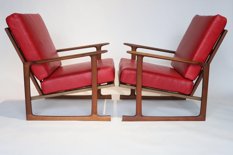 Mid-Century Modern Pair of Lounge Chairs by Ib Kofod-Larsen For Sale