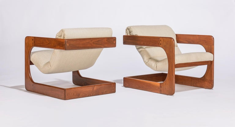 Mid-Century Modern Pair of Lounge Chairs by Lou Hodges For Sale