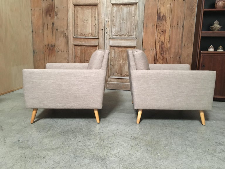 Mid-Century Modern Pair of Lounge Chairs by Paul McCobb For Sale