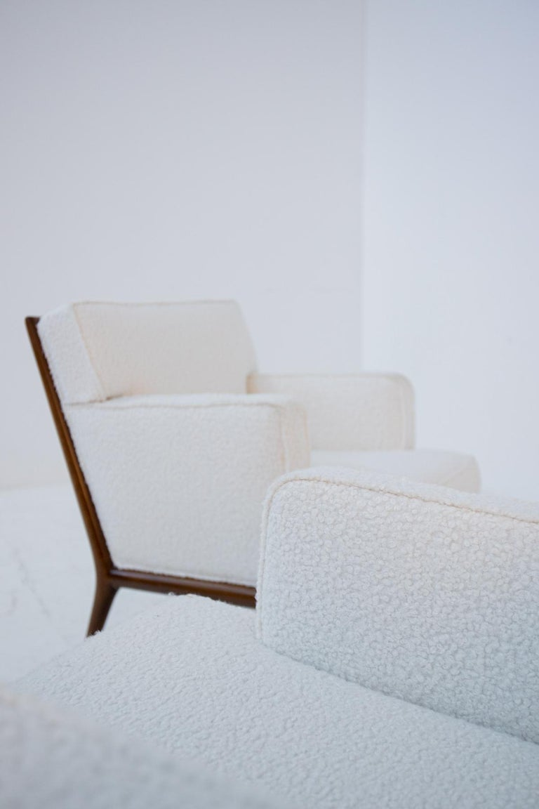 Pair of Lounge Chairs by T.H. Robsjohn-Gibbings in White Bouclè, 1950s In Good Condition For Sale In Milano, IT