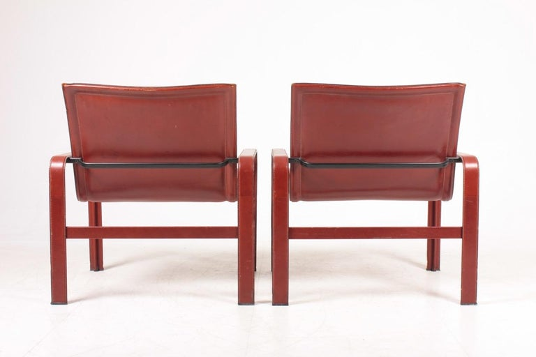 Pair of Lounge Chairs in Patinated Leather by Matteo Grassi, 1970s In Good Condition For Sale In Lejre, DK