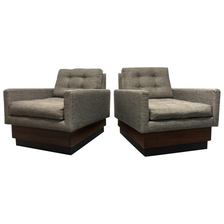 Pair of Lounge Chairs on Plinth Base For Sale