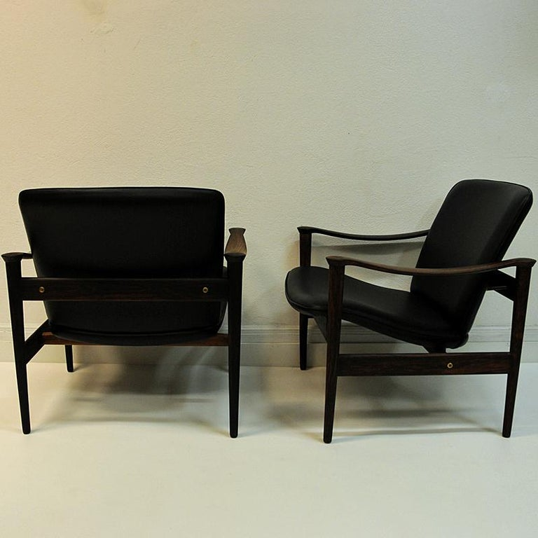 Scandinavian Modern Pair of Lounge Chairs Rosewood 711 by Fredrik Kayser-Vatne Lenestolfabrikk 1960s For Sale