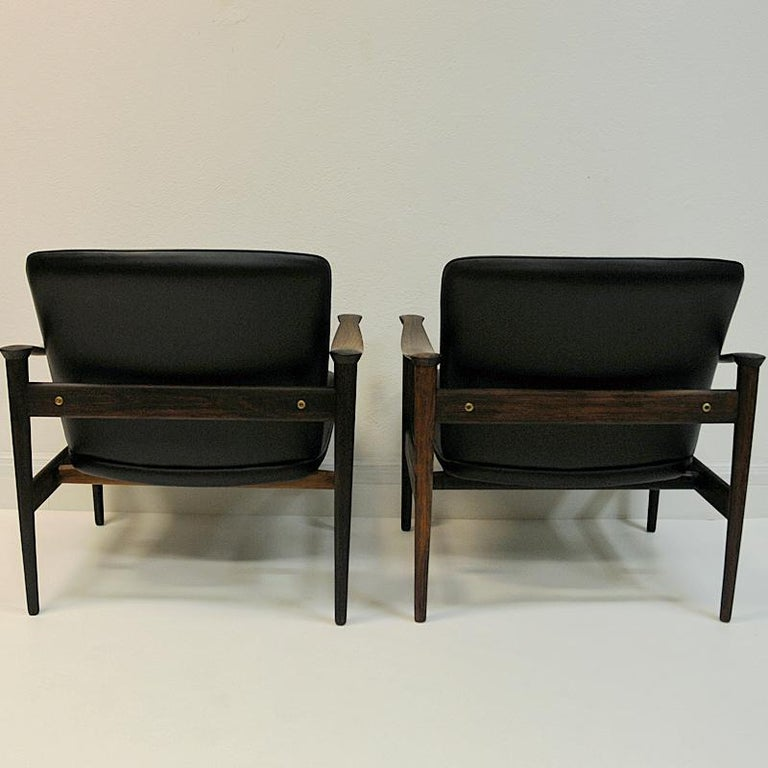 Polished Pair of Lounge Chairs Rosewood 711 by Fredrik Kayser-Vatne Lenestolfabrikk 1960s For Sale