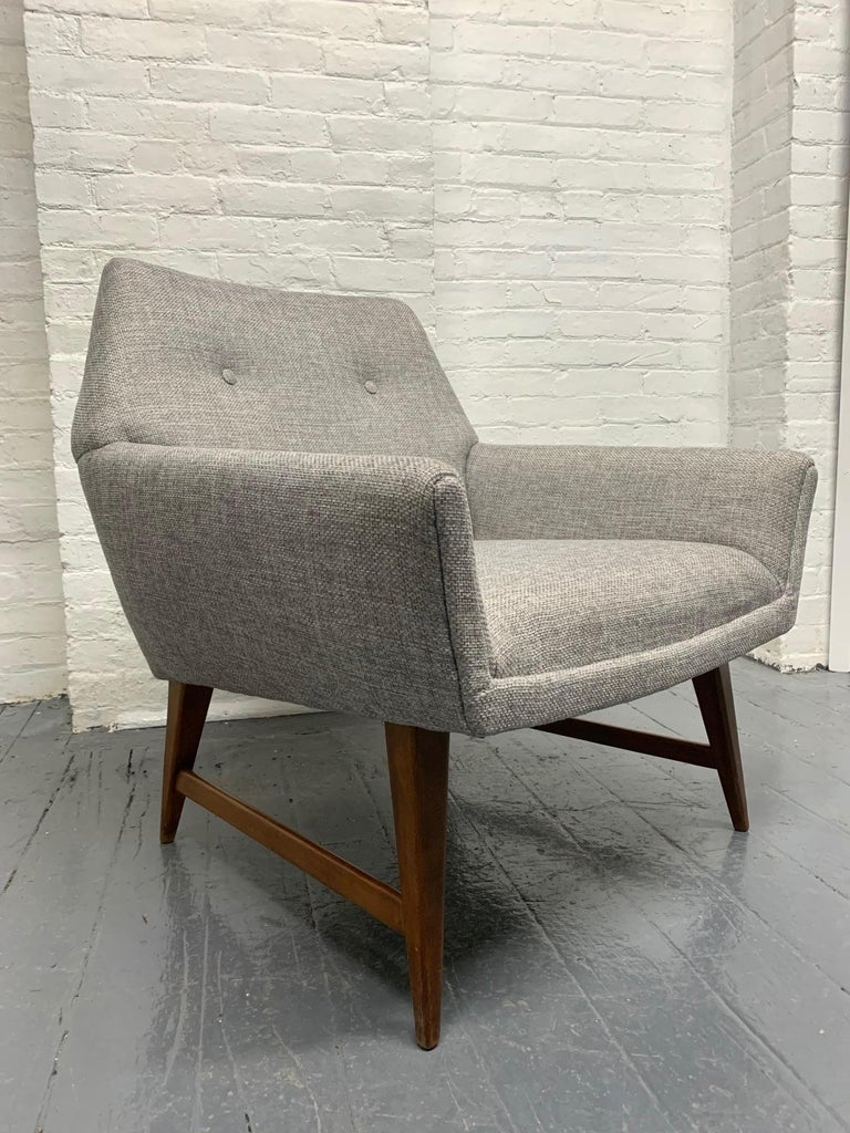 Mid-20th Century Pair of Lounge Chairs Style of Raphael For Sale