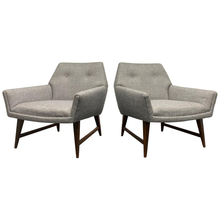 Pair of Lounge Chairs Style of Raphael For Sale