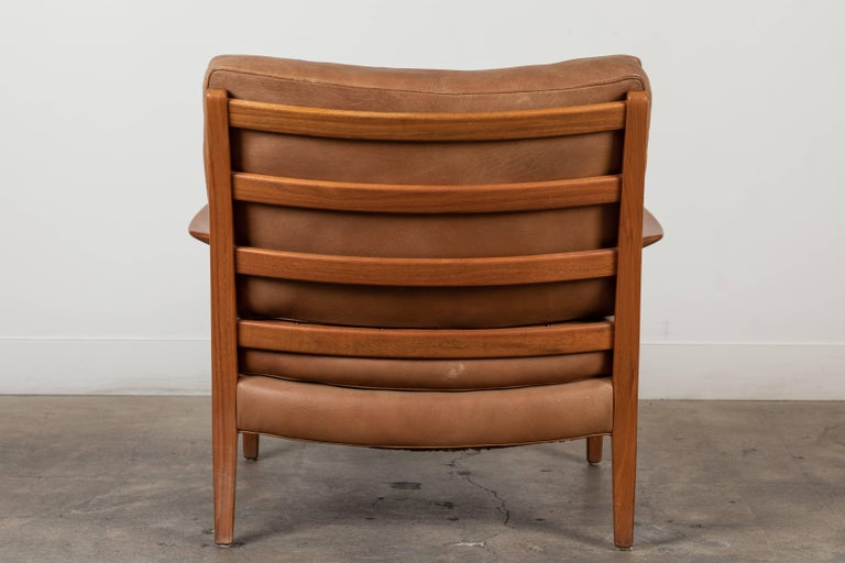 Pair of Löven Lounge Chairs by Arne Norell For Sale 4