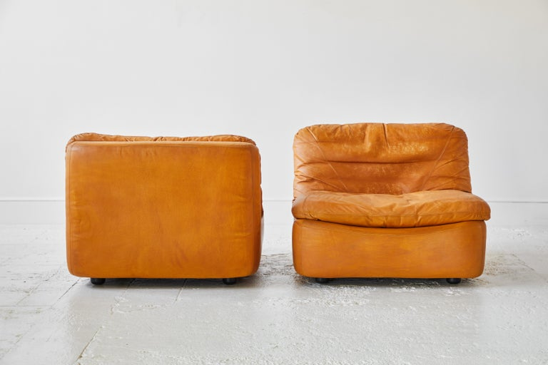 Pair of Low Kor Aldershof Tan Leather Lounge Chairs In Good Condition For Sale In Los Angeles, CA
