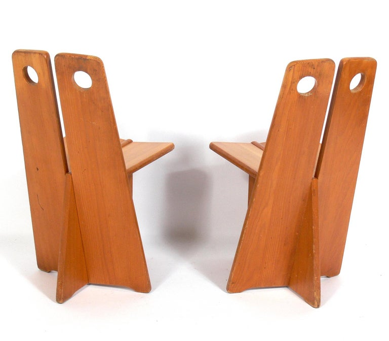 Pair of Low Slung German Constructivist Chairs In Distressed Condition For Sale In Atlanta, GA