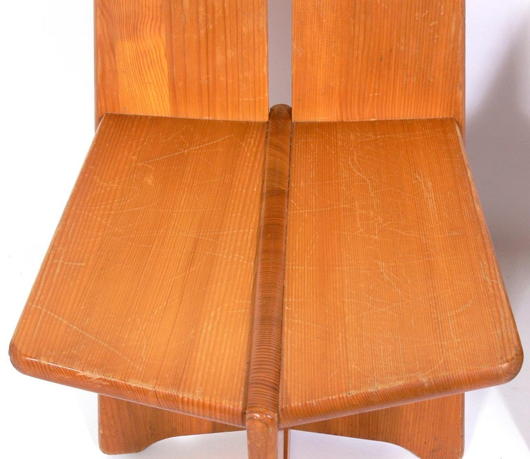 Pair of Low Slung German Constructivist Chairs For Sale 2