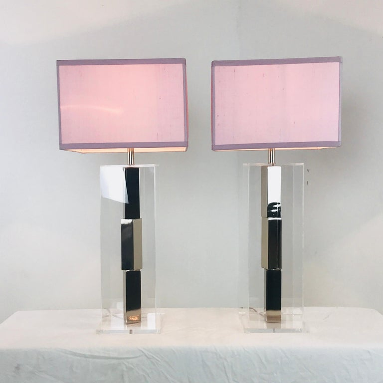 Pair of Lucite and Chrome Table Lamps by Laurel with Silk Shades For Sale 2