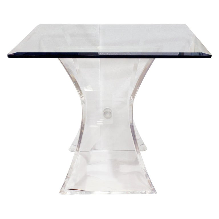 Pair of Lucite and Glass Sculptural End Tables, 1970s In Excellent Condition For Sale In New York, NY