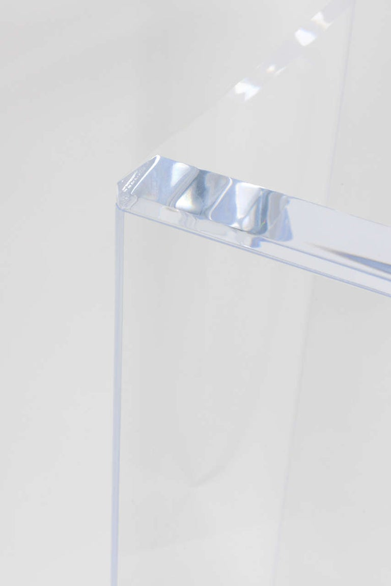 Pair of Lucite Pedestals by Iconic Snob Galeries In New Condition In West Palm Beach, FL