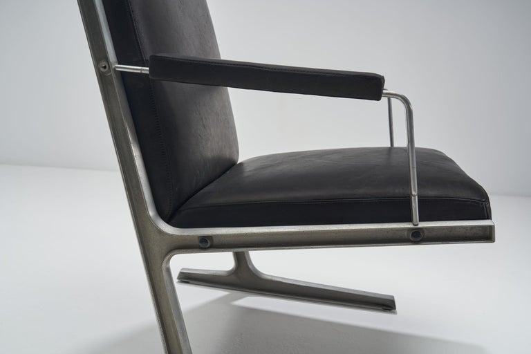 """Pair of """"Lufthavns Stole"""" Chairs by Ditte Heath and Adrian Heath for Cado, Den For Sale 6"""