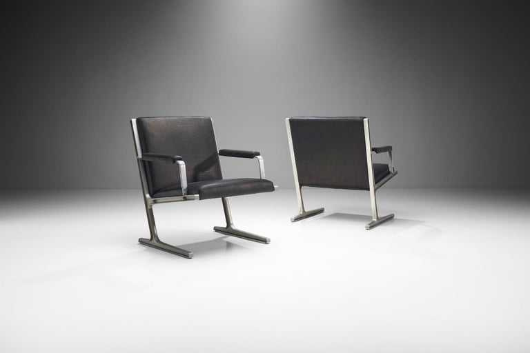 """Scandinavian Modern Pair of """"Lufthavns Stole"""" Chairs by Ditte Heath and Adrian Heath for Cado, Den For Sale"""