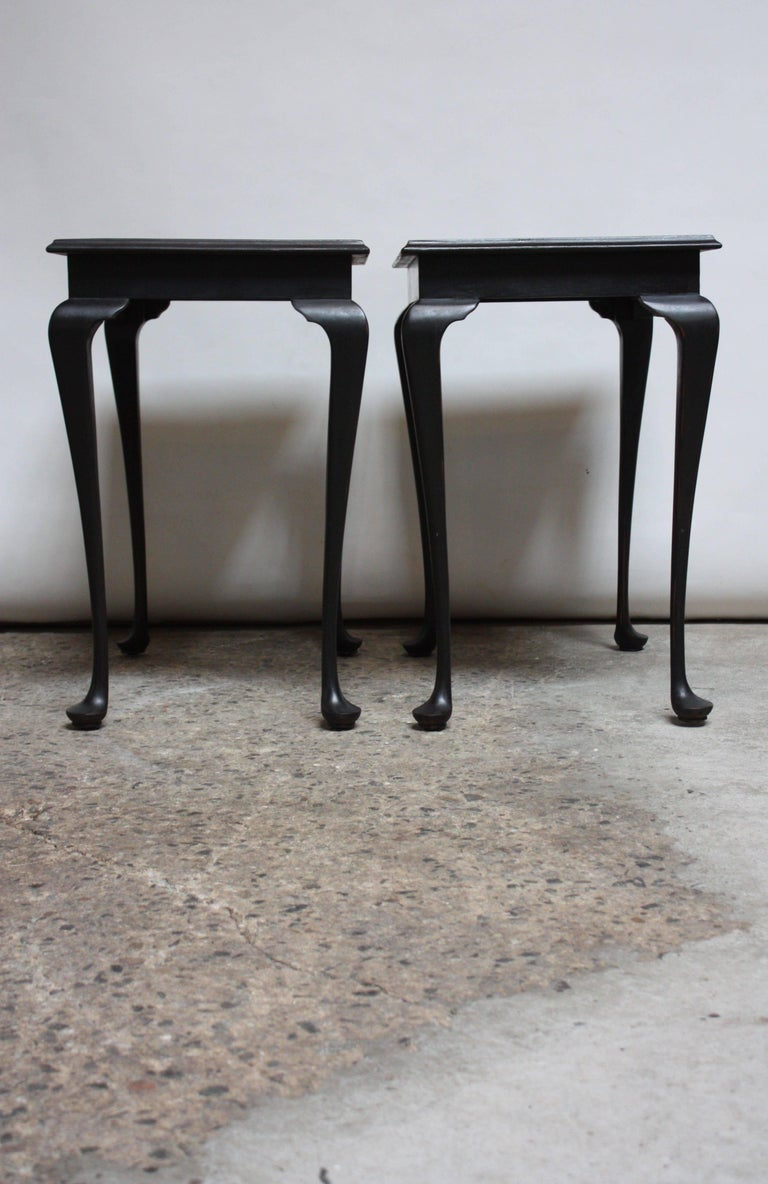 Pair of Mahogany and Ebonized Walnut Chippendale-Style Tall End Tables For Sale 6