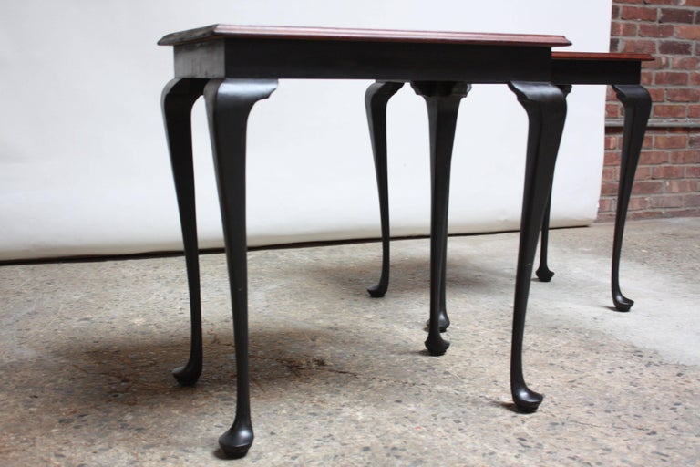 Pair of Mahogany and Ebonized Walnut Chippendale-Style Tall End Tables For Sale 4