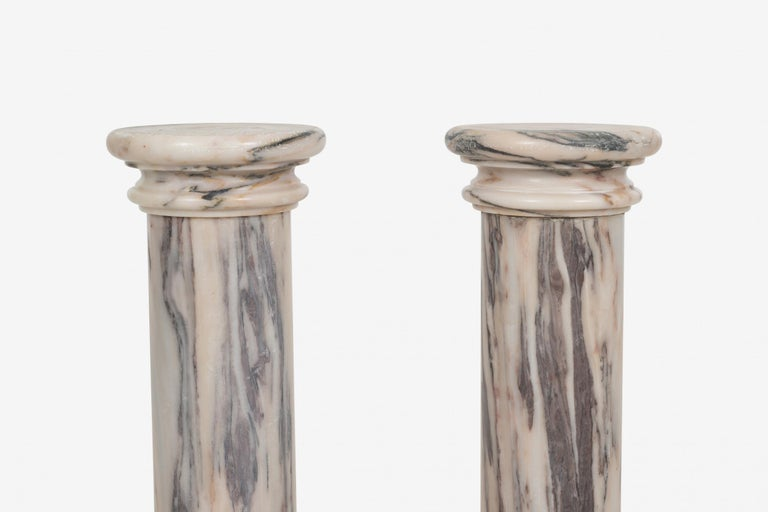 Polished Pair of Marble Architectural Display Columns in Calacatta Pink Quarried in Italy For Sale