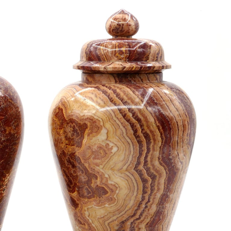 Pair of Marble Vases, by Böttinger, Rupp & Moeller, Early 20th century In Good Condition For Sale In Roma, IT