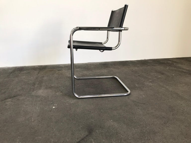 Pair of Marcel Breuer Cantilever Dining Armchairs in Black Leather MG5 / B34 For Sale 1