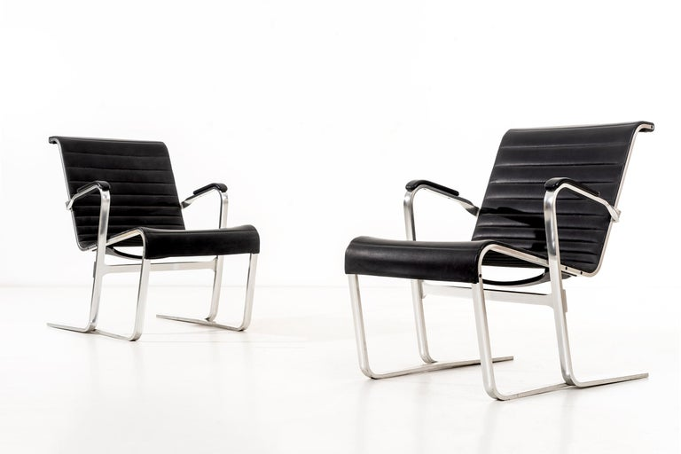 Pair of Marcel Breuer Lounge Chairs For Sale 3