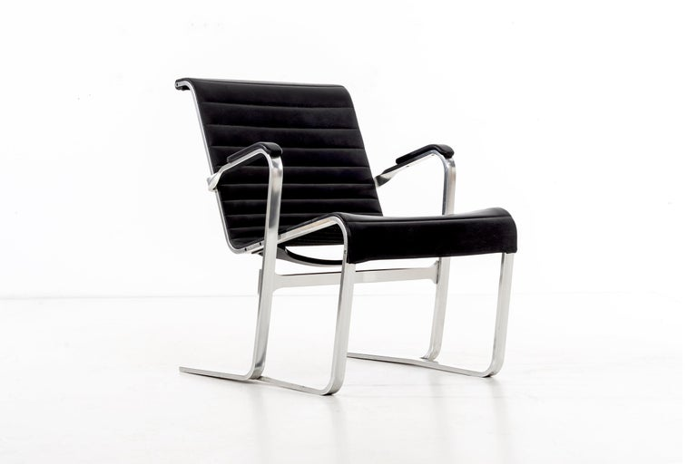 Pair of Marcel Breuer Lounge Chairs In Good Condition For Sale In Chicago, IL