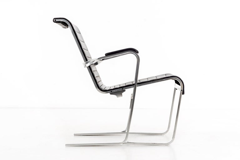 Mid-20th Century Pair of Marcel Breuer Lounge Chairs For Sale