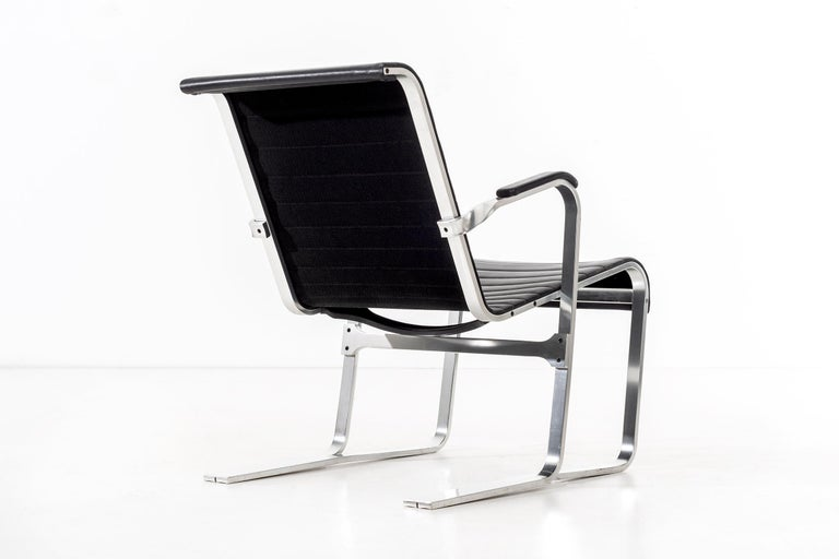 Pair of Marcel Breuer Lounge Chairs For Sale 1