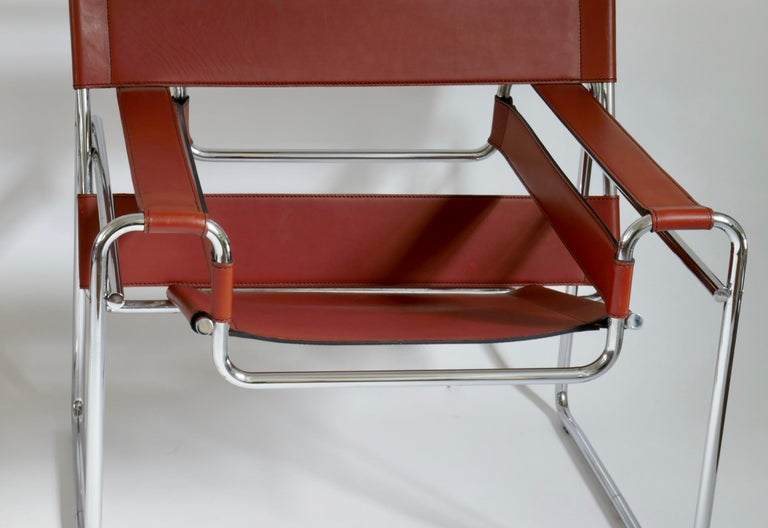 Late 20th Century Pair of Marcel Breuer Style Brown or Burgundy Leather Wassily Chairs For Sale