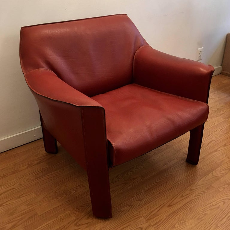 Pair of Mario Bellini Cab Lounge Chairs In Excellent Condition For Sale In New York, NY