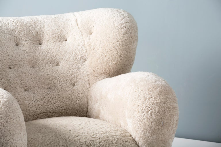 Pair of Marta Blomstedt 1930s Sheepskin Wing Chairs for The Hotel Aulanko In Excellent Condition For Sale In London, GB