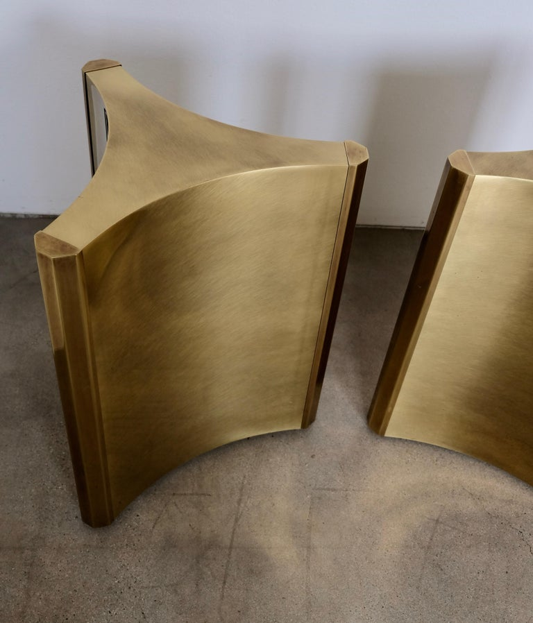 Pair of Mastercraft Brass 'Trilobi' Dining Table Bases In Good Condition For Sale In Palm Springs, CA