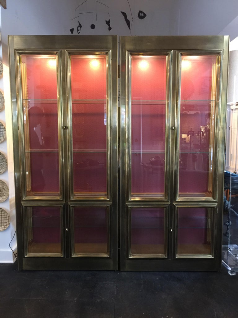 Pair of Mastercraft Brass Vitrines Display Cabinets  For Sale 4